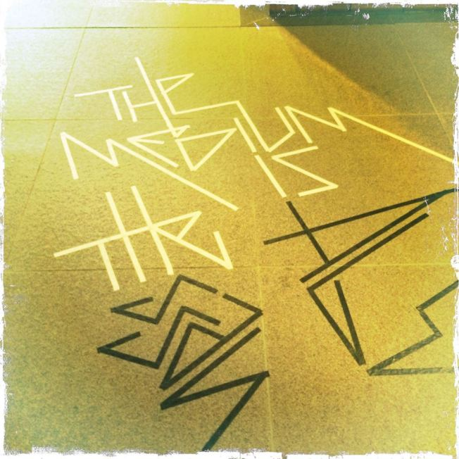 The Medium is the message … Tape Art @ Ausstellung »Sachbeschädigung«MTK Galerie Landratsamt Hofheim, 2015