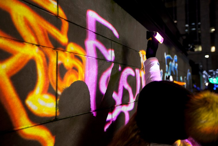 Tryouts @ Luma Paint Public Light Graffiti as Lightpainting, London Winter Lights, Canary Wharf, 2017