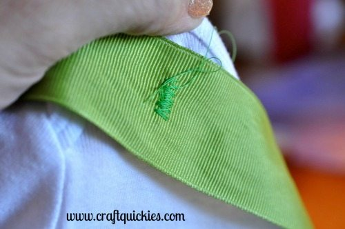 I love this Grinch inspired outfit! So simple to make!