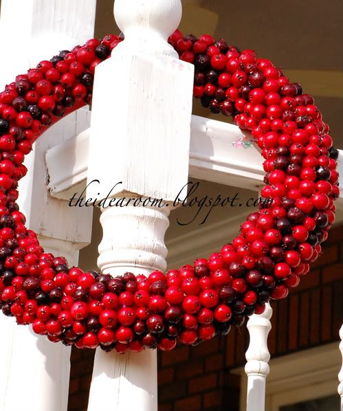 Wcranberry wreath
