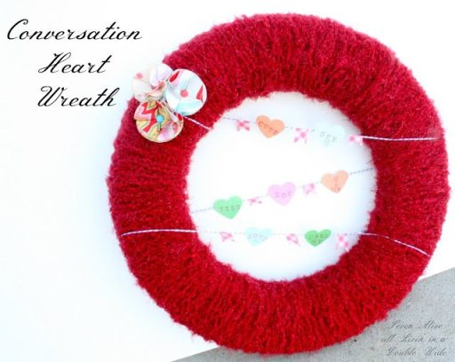 Conversation Heart Wreath 04001