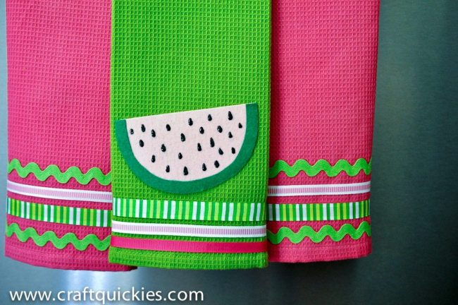 Add Ribbon & Felts to Dish Towels for a Super Cute Look