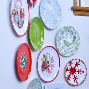 I am obsessed with this Christmas plate wall! She tells us where she got each plate so it's easy to recreate!