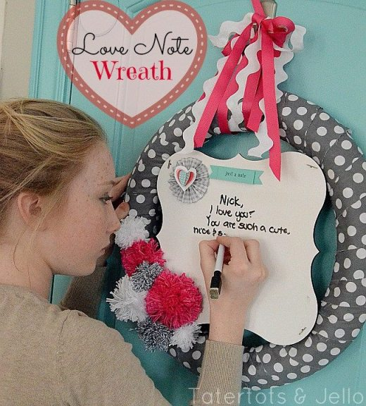 #love-note-wreath-at-Tatertots-and-Jello