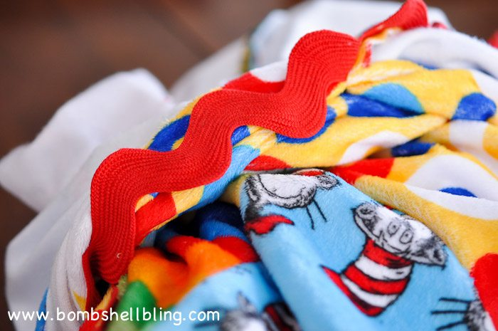 Dr Seuss Cuddle Blanket-26