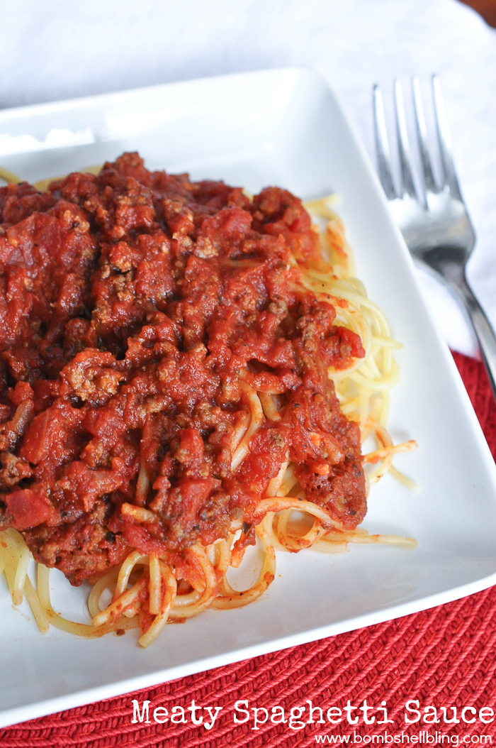 Mmmm.....this family recipe for spaghetti sauce looks SOO tasty--and simple!