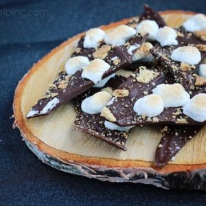 S'mores Candy Bark---SOO easy and YUMMMM!