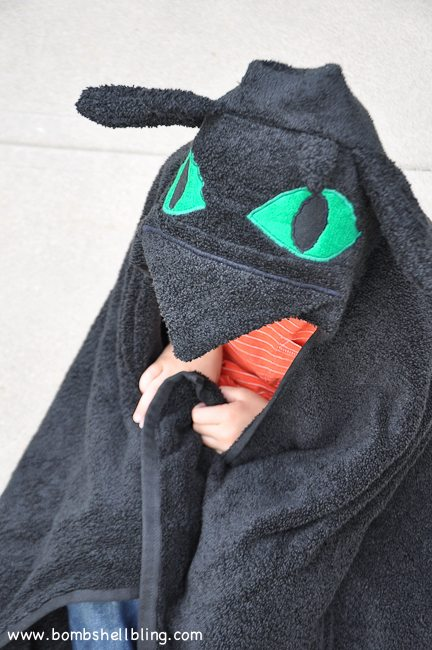 Toothless Hooded Towel-19
