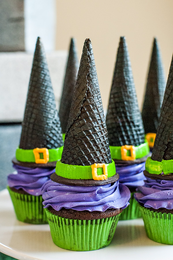 +witch-cupcakes