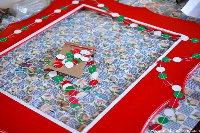 Chicken Wire Christmas Card Holder-14