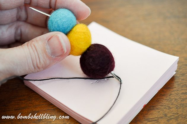 Felt Ball Statement Necklace-8