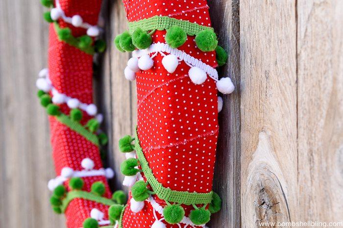 Pom Pom Christmas Wreath-10