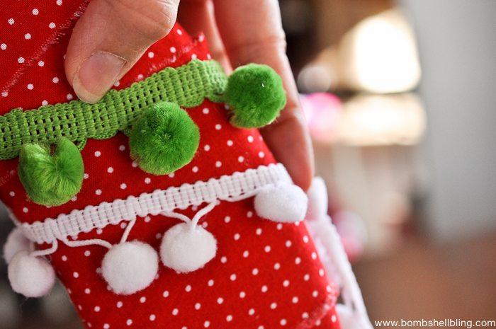 Pom Pom Christmas Wreath-8