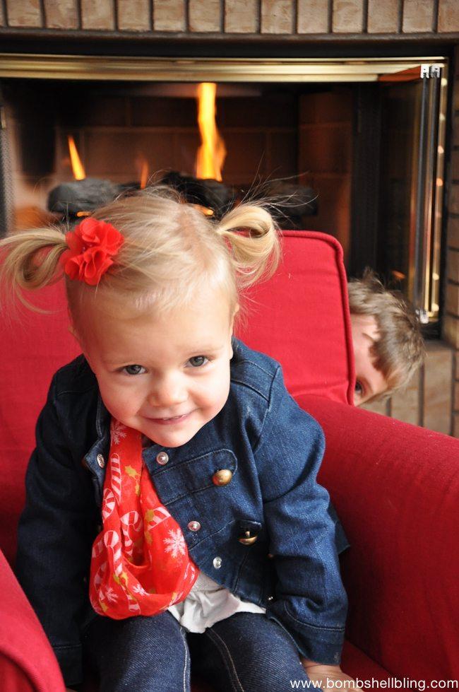 Toddler Christmas Infinity Scarf Tutorial-4