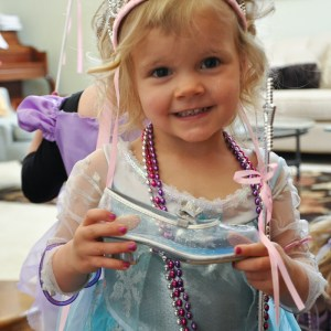 Cinderella's shoe scavenger hunt! LOVE this idea!
