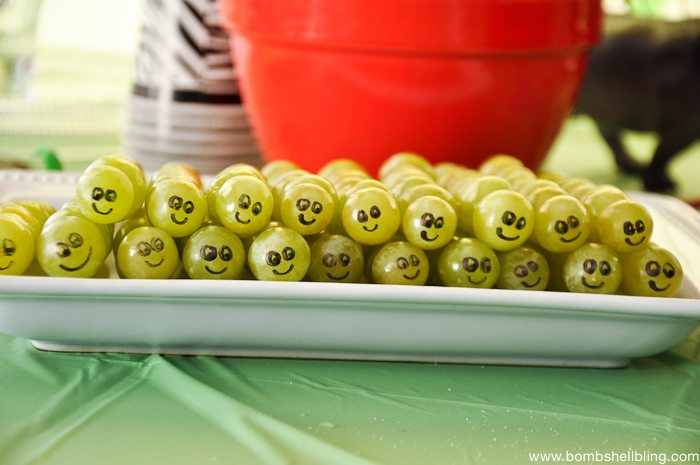 grape catterpillar kabobs - too cute!