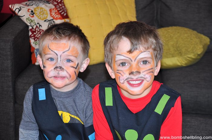 Two boys smiling at Wild Kratts Birthday Party