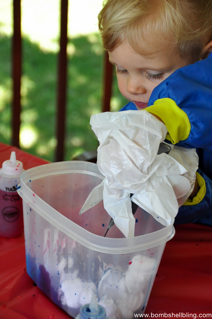 How to Tie Dye with Kids-2