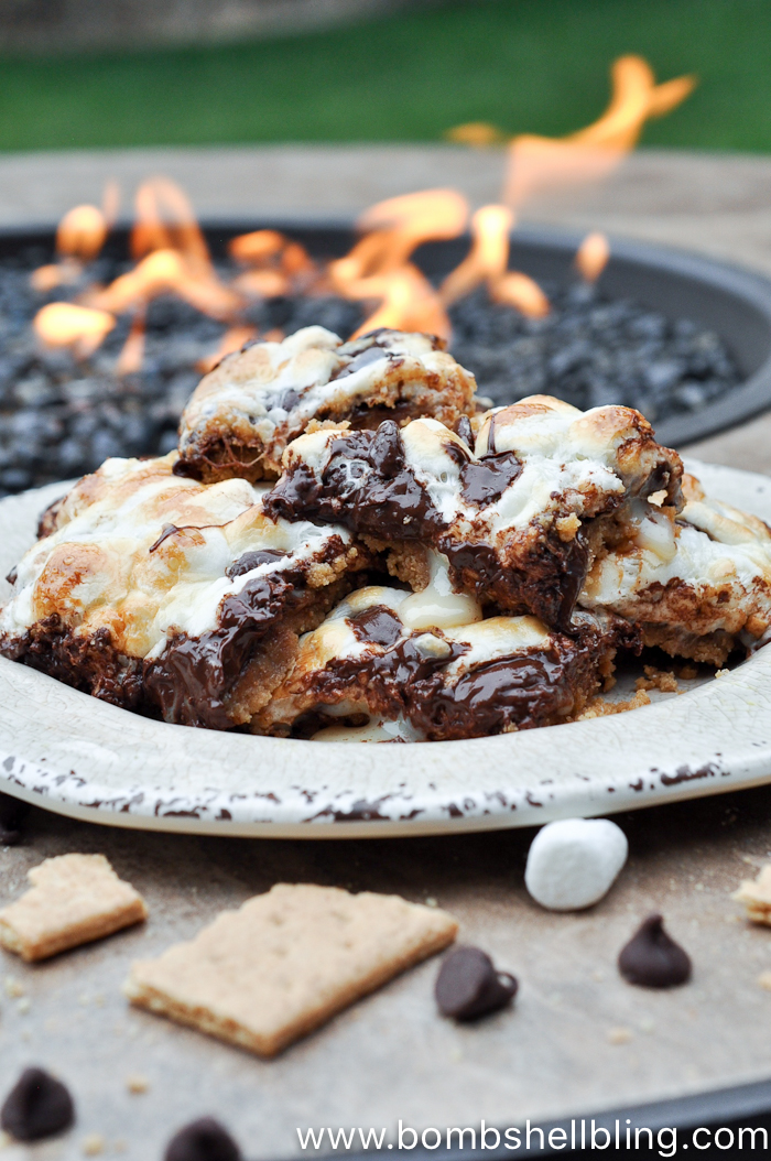 S'mores magic cookie bars are THE BEST!