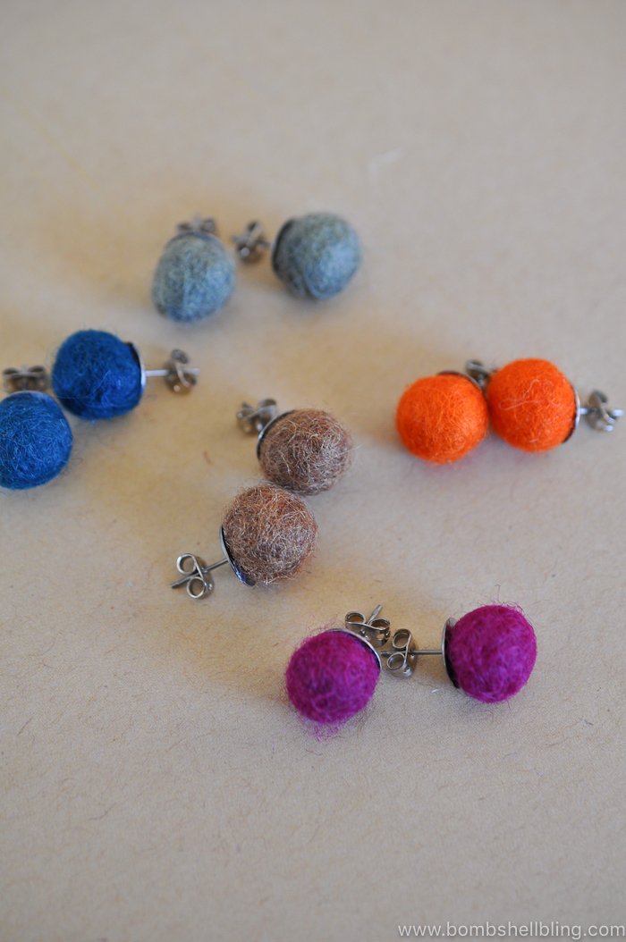 These felt ball earrings are CRAZY simple to create! They only have ONE step. SERIOUSLY! Perfect for gift giving to anyone you love!