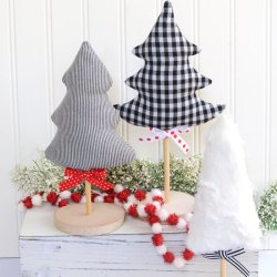 Tabletop Fabric Christmas Trees – Free Sewing Pattern