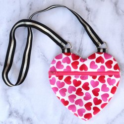 Crossbody Heart Purse for Girls – Free Sewing Pattern