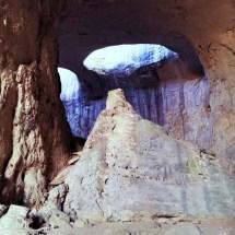 prohodna-cave-rocks3