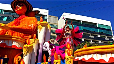 Queen on Float with Flower