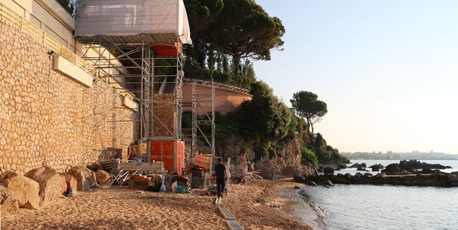 Plage_Golfe_Juan_privatisee-658x330