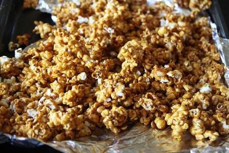 pumpkin_spice_caramel_popcorn252812529