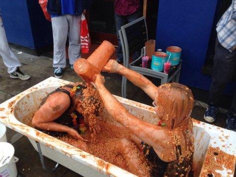 girls in bath of beans ideas for sploshing fans