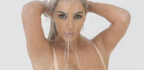 kim-kardashian-sploshing-milk-wet ideas for sploshing fans