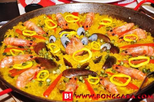 Seafood Paella Red Trellis