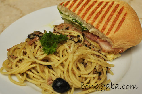 Figaro's Al Tono Pasta & Bacon Lettuce and Tomato Sandwich