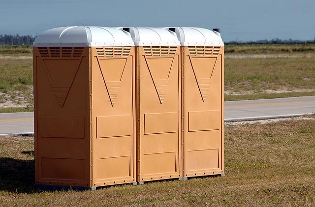 3-door portable toilet