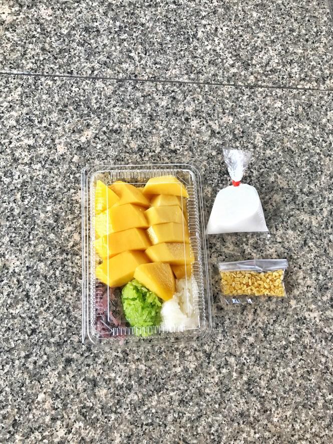 maevaree mango sticky rice bangkok