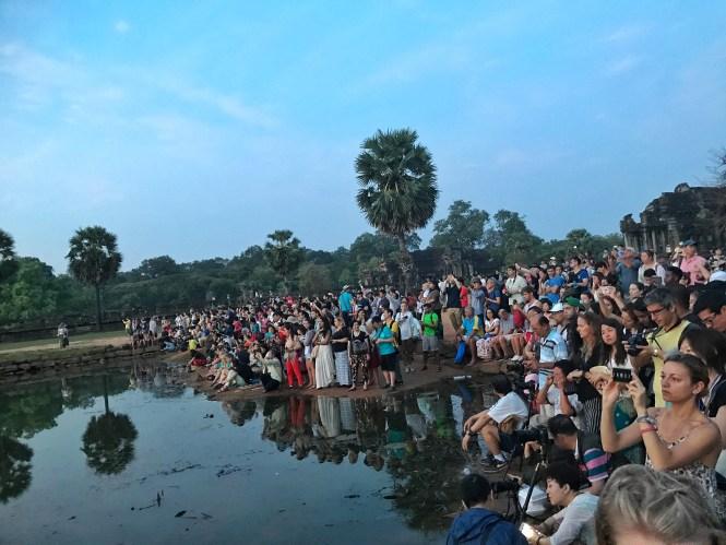 sunrise angkor wat siem reap cambodia