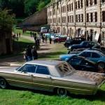 Vue d'ensemble de voitures de collection au Fort de Cormeilles