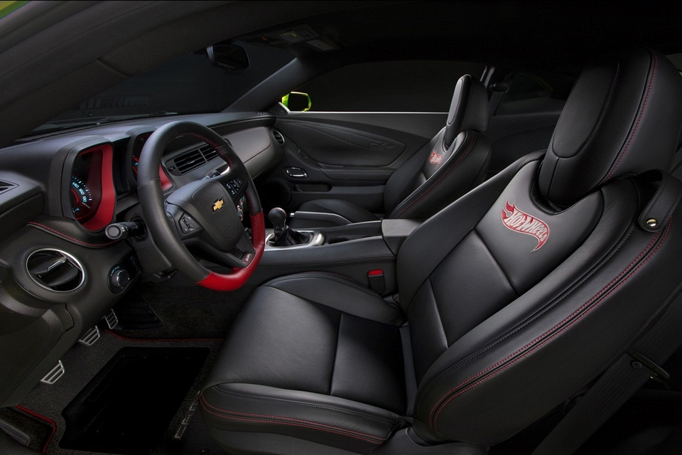 2013 Chevrolet Camaro Hot Wheels Edition (3)