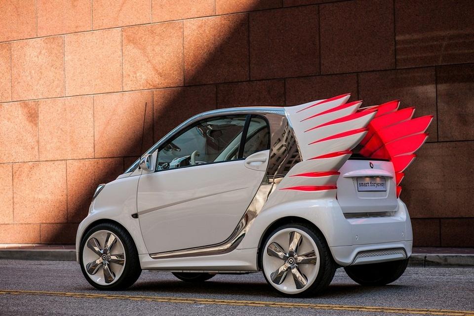 Jeremy Scott-designed custom Smart ForTwo (4)