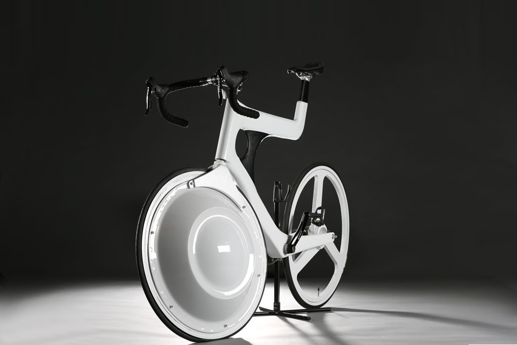 Transport Bicycle Packs A Storage Compartment In The Front Wheel (1)