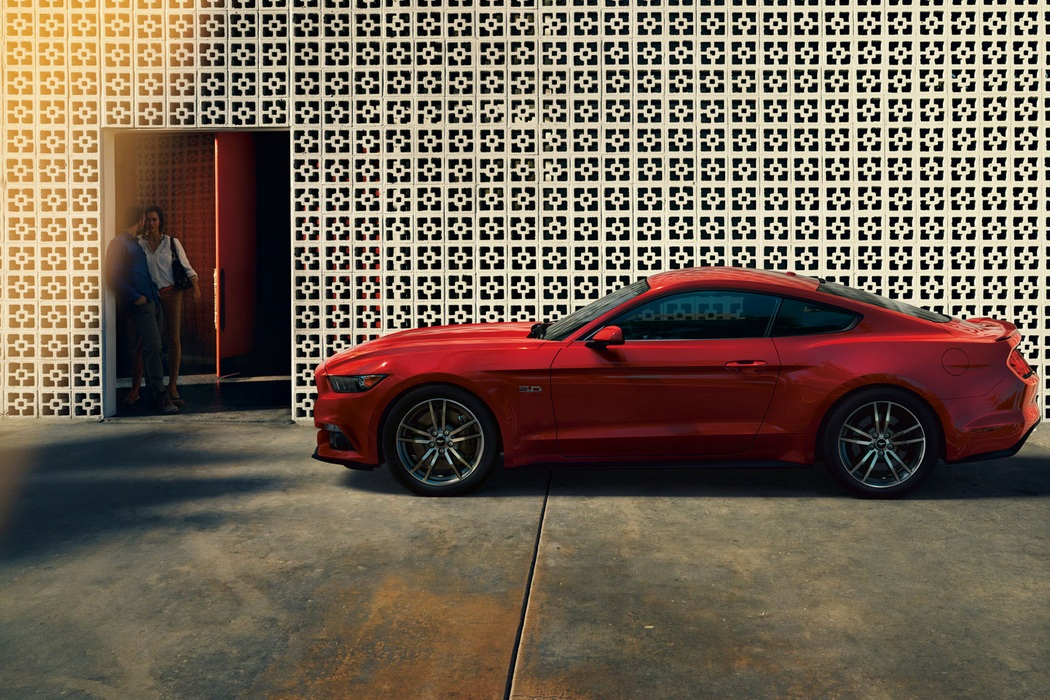 2015 Ford Mustang (1)