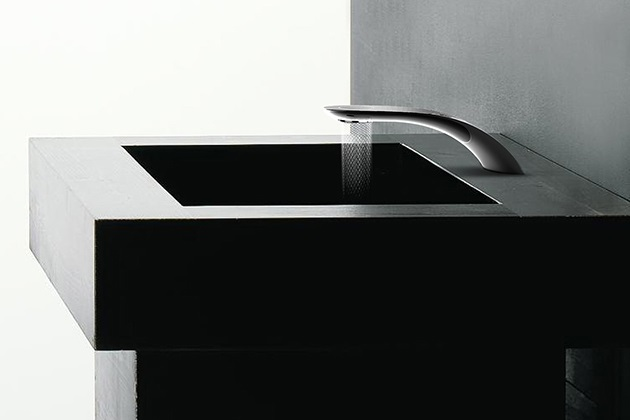 Swirl Faucet Makes Cool Patterns