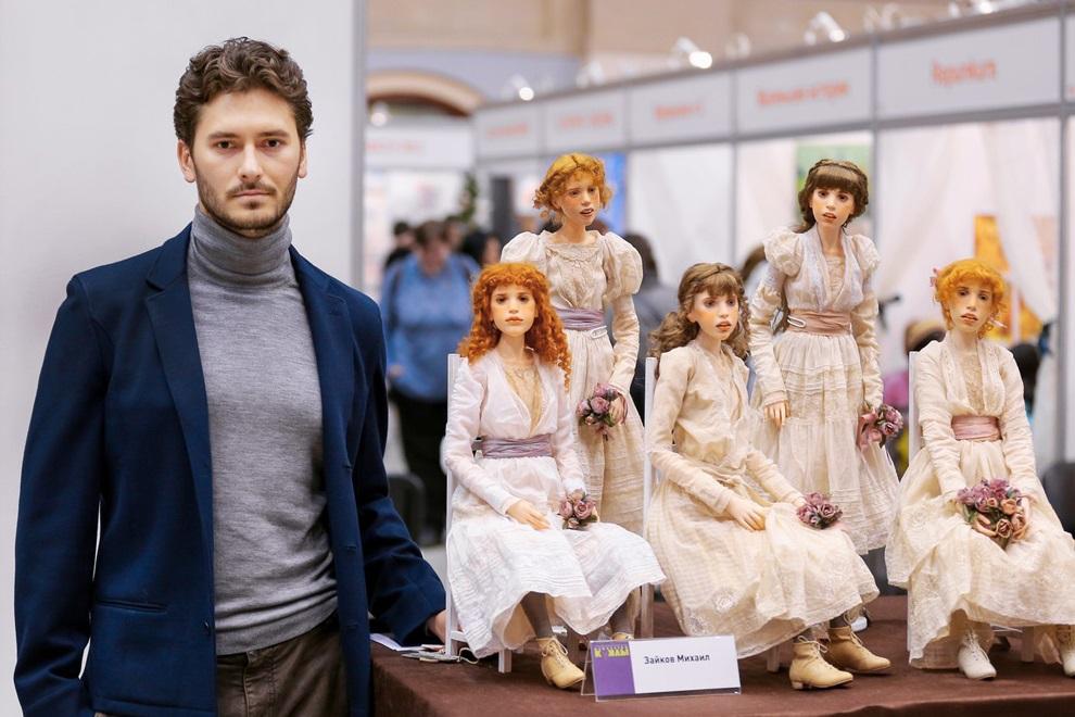 russian artist creates hyper