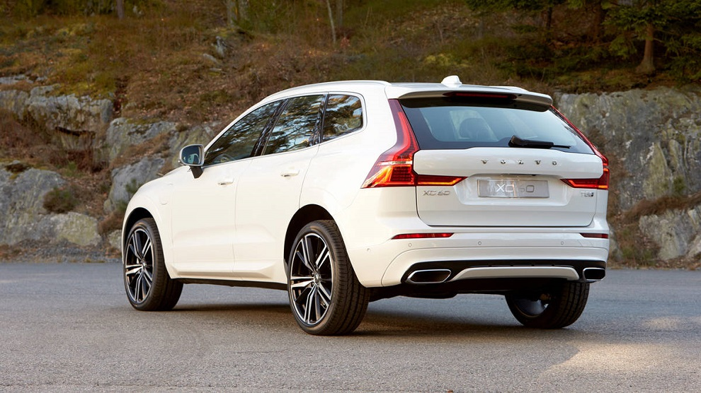 2017 Volvo XC60 SUV (2)