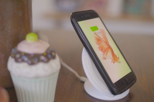 Meet The Eye - An Entire Android Phone Attached to Your iPhone (3)