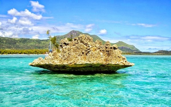 Mauritius - Crystal Rock