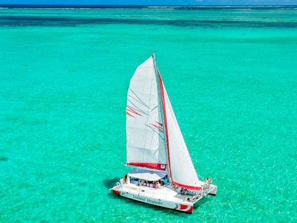 Ile aux Cerfs Catamaran