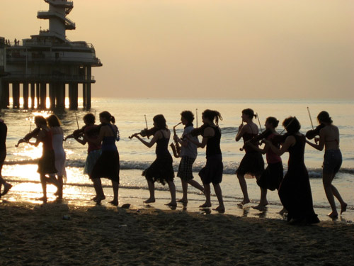 Ricciotti Ensemble on the beach