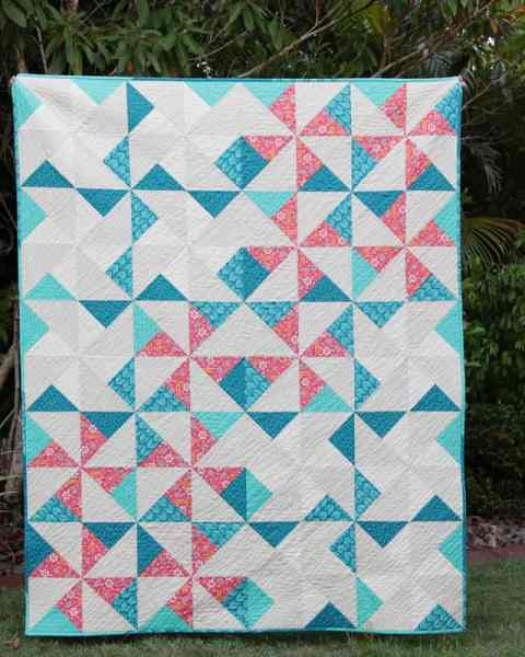 Pinwheel Puzzle quilt by Kirsty at Bonjour Quilts